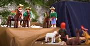 Krippenfiguren aus aller Welt, hier aus Südamerika, gibt es in dem Video zu bestaunen.