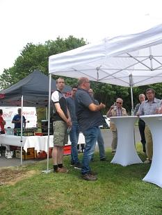 Seven Bratec informiert und zeigt wie aus Bioabfall Kompost und Biogas entsteh©Bernd Weimer