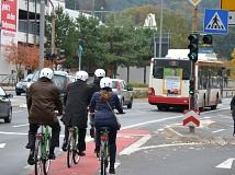 In Marburg hat Siemens erstmalig eine Smartphone-App für Fahrradfahrer erfolgreich getestet. Dank dieser Technik kommt die Grüne Welle für Radfahrer nun auf deutsche Straßen.