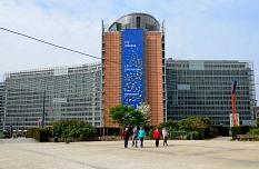 Das Gebäude des Sitz' der Europäischen Kommision©Stephane Mignon - Flickr, CC BY 2.0, https://commons.wikimedia.org/w/index.php?curid=36259575