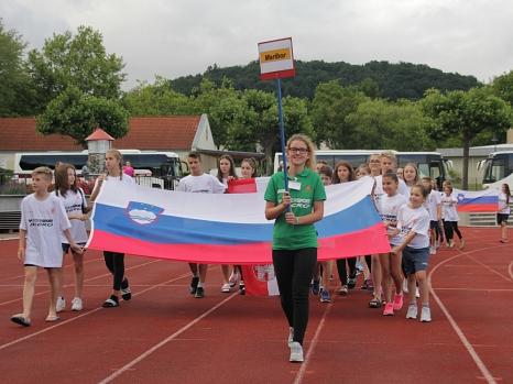 Zu den jeweiligen Nationalhymnen liefen die Delegationen aus Maribor, Sibiu, Kościerzyna, Sfax und Marburg ein.©Stadt Marburg, i. A. Heiko Krause