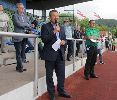 Oberbürgermeister Dr. Thomas Spies (l.) begrüßte zusammen mit Sportamtsleiter Björn Backes (r.) die Gäste.©Stadt Marburg, i. A. Heiko Krause