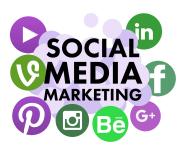 Buchstaben und Symbole aus den Sozialen Medien und der Schriftzug Social Media Marketing
