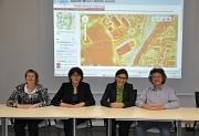Die Erweiterung des Solarkatasters wurde am 13. September 2013 vorgestellt: Wiebke Lotz, Klimaschutzbeauftragte, Marion Kühne, Fachdienstleiterin, Prof. Dr. Martina Klärle von der Gesellschaft für Landmanagement und Umwelt mbH und Bürgermeister Dr. Franz
