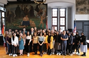 Die diesjährigen Studierenden der Hessischen Internationalen Sommeruniversität (ISU) kommen aus 13 Ländern und wurden herzlich von Oberbürgermeister Spies begrüßt.