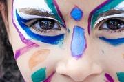 Auch Kinderschminken gibt es neben dem Wasserspielplatz, Trommeln, Märchen und vielen anderen Angeboten beim großen Kinder-Mitmach-Fest.