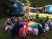 Auch in diesen Sommerferien macht das Spielmobil der Jugendförderung wieder Halt in sechs Marburger Stadtteilen.