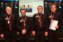 Die Mannschaft des 1. Marburger Skat-Clubs erhielt Bronze für die Meisterschaft in der zweiten Bundesliga und den damit verbundenen Aufstieg in die erste Liga.