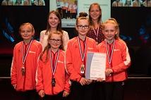 Die Turnerinnen des TSV Ockershausen wurden für verschiedene Erfolge in der Disziplin Rhönrad ausgezeichnet.