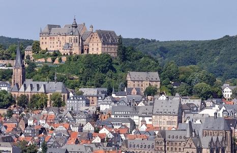 Marburg mit Schloss und Altstadt©Georg Kronenberg