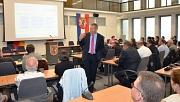 Transparent hat Oberbürgermeister Dr. Thomas Spies beim Marburger Stadtforum über die aktuelle Haushaltslage informiert.