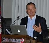 Oberbürgermeister Dr. Thomas Spies moderierte das erste Stadtforum seiner Amtszeit.©Gesa Coordes, Stadt Marburg