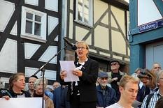 Stadtverordnetenvorsteherin Marianne Wolk war eine der Redner*innen der Kundgebung.©Simone Schwalm, Stadt Marburg