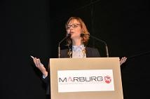 Katja Wolf, Oberbürgermeisterin von Marburgs Partnerstadt Eisenach, hob in ihrer Festrede die Werte hervor, die sich aus Grundgesetzartikel 1 -