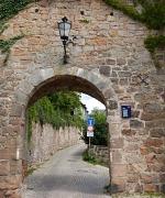 Offene Denkmale entdecken können Besucherinnen und Besucher am 11. September in Marburg. Besichtigungen und Führungen werden unter anderem zur Stadtmauer (hier das Kalbstor) angeboten.