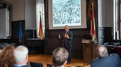 Oberbürgermeister Dr. Thomas Spies begrüßte die Besucher*innen zum diesjährigen Tag des offenen Denkmals.