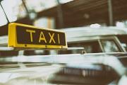 Stadt, Polizei und Zoll kontrollieren mehrere Taxen- und Mietwagenfirmen.