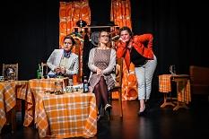 """Theater Gegenstand - """"Bier für Frauen""""©Ralf Hofacker"""
