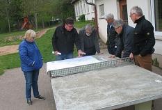 Treffen der Ortsbeiräte Allnatal07052019 an der Tischtennisplatte©Bernd Weimer