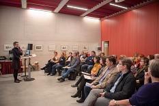 Landrätin Kirsten Fründt eröffnet die zweite Versorgungskonferenz der Universitätsstadt Marburg und des Landkreises Marburg-Biedenkopf im Erwin-Piscator-Haus.©Melanie Weiershäuser, i.A.d. Stadt Marburg