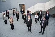 Vertreter*innen von zwölf Organisationen und Unternehmen wurden von Oberbürgermeister Dr. Thomas Spies (vorne Mitte) und dem Ersten Kreisbeigeordneten Marian Zachow (vorne rechts) geehrt.