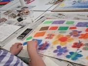 Farbenfrohe Bilder entstanden in der Malwerkstatt.