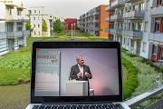 Oberbürgermeister Dr. Thomas Spies beantwortete gemeinsam mit der Richtsberger Ortsvorsteherin Erika Lotz-Halilovic Livestream Fragen, die Moderator Bernd Waldeck ihnen stellvertretend für die Bürger*innen stellte.