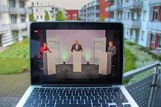 Oberbürgermeister Dr. Thomas Spies beantwortete im Livestream Fragen der Zuschauer und nahm Vorschläge entgegen, beispielsweise für einen Marktplatz am unteren Richtsberg.©Freya Altmüller, i. A. d. Stadt Marburg