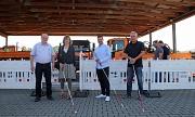 Harald Schröder (v. r.), Markus Harder, Dr. Imke Troltenier und Manfred Fuchs stellen die Schulung für die sehbehindertengerechte Baustelle vor.