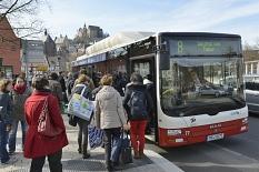 Die Stadt wirbt dafür, mehr zu Fuß, mit dem Rad oder dem Bus zu fahren.©Georg Kronenberg
