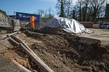 Weidenhäuser Brücke - Leitungen werden freigelegt