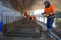 Weidenhäuser Brücke - Arbeiten an den Fundamenten für das Traggerüst