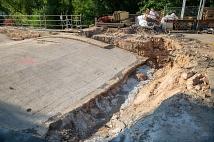Die Bögen der Weidenhäuser Brücke sind mit einer Estrich-Schicht bedeckt
