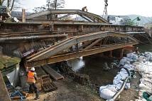 Weidenhäuser Brücke: Einbau des Traggerüsts