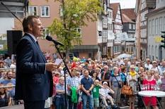 """""""Es ist geschafft"""": OB Dr. Thomas Spies dankte allen Beteiligten für ihren Einsatz und den Bürger*innen für ihre Geduld während der Bauarbeiten.©Patricia Grähling, Stadt Marburg"""