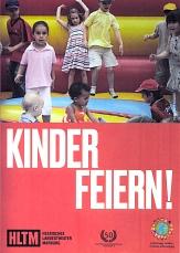 """Die Vorderseite des Flyer vom Hessischen Landestheater Marburg mit dem Text """"Kinder feiern"""" und einigen Kindern auf einer Hüpfburg.©Universitätsstadt Marburg"""