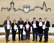 """Unterzeichneten am 15. November 2019 die """"Wetzlarer Erklärung"""": Michael Köberle (v.l.n.r.), Kirsten Dinnebier, Heinz Schreiber, Dr. Christine Schmahl, Marian Zachow, Astrid Eibelshäuser, Jan Weckler."""