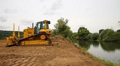 Zwischen Gisselberg, Cappel und Ronhausen wird die Lahn renaturiert. Dazu werden mehr als 100.000 Kubikmeter Erde, Sand, Kies und Steine bewegt, um der Lahn auf einer Strecke von etwa 1,5 Kilometern ein neues Bett zu geben.